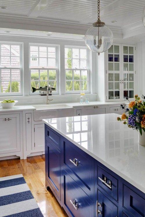 cocina con desayunador color azul (2)