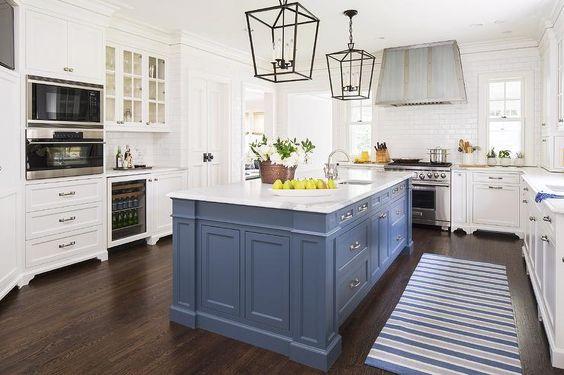 cocina con desayunador color azul (3)