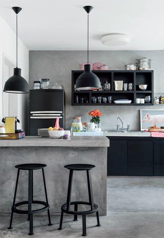 cocina con desayunador color gris y negro (1)