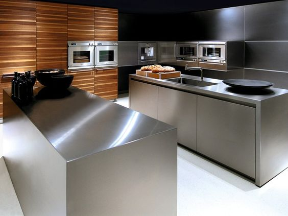 cocina con desayunador de acero inoxidable (1)
