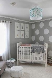 idea-para-decoracion-de-cuarto-para-bebe-en-colores-grises-blanco
