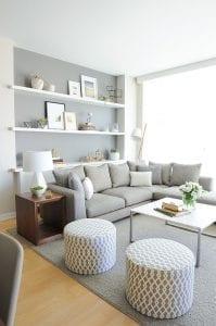 ideas-de-decoracion-de-sala-en-tonos-grises-y-blancos