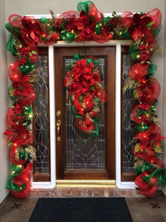 Ideas para decorar la entrada de tu casa esta navidad 2016 for Decoracion de casas 2016