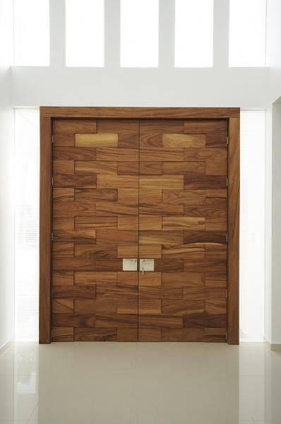 Disenos para puertas modernas de exterior 25 decoracion for Puertas principales modernas 2016