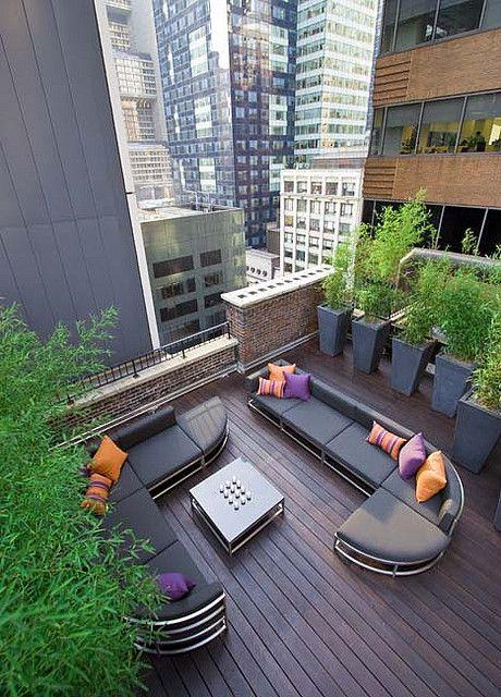 Balcones modernos 16 decoracion de interiores for Decoracion balcones modernos