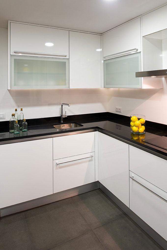 Decoracion de cocinas pequenas y modernas 11 for Decoracion cocinas pequenas modernas