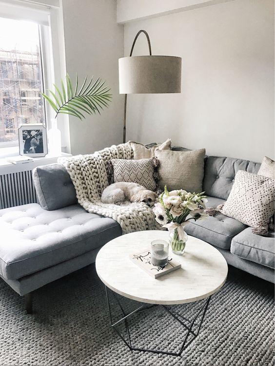 Como decorar una sala de casa de infonavit ideas 2018 for Alfombras para sala pequena
