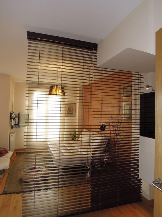 Ideas para dividir espacios en departamentos pequenos 22 for Idea decorativa sala de estar pequeno espacio