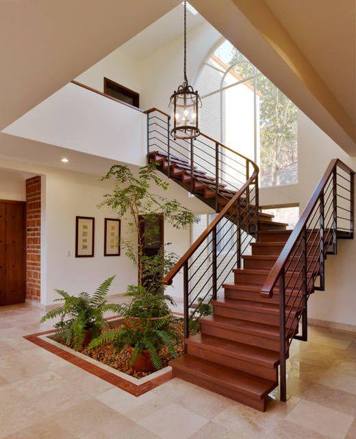 25 disenos de barandales para escaleras interiores y for Tipos de disenos de interiores de casas