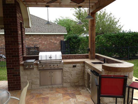 Patios pequenos con asador para que te inspires a renovar for Disenos de patios pequenos modernos