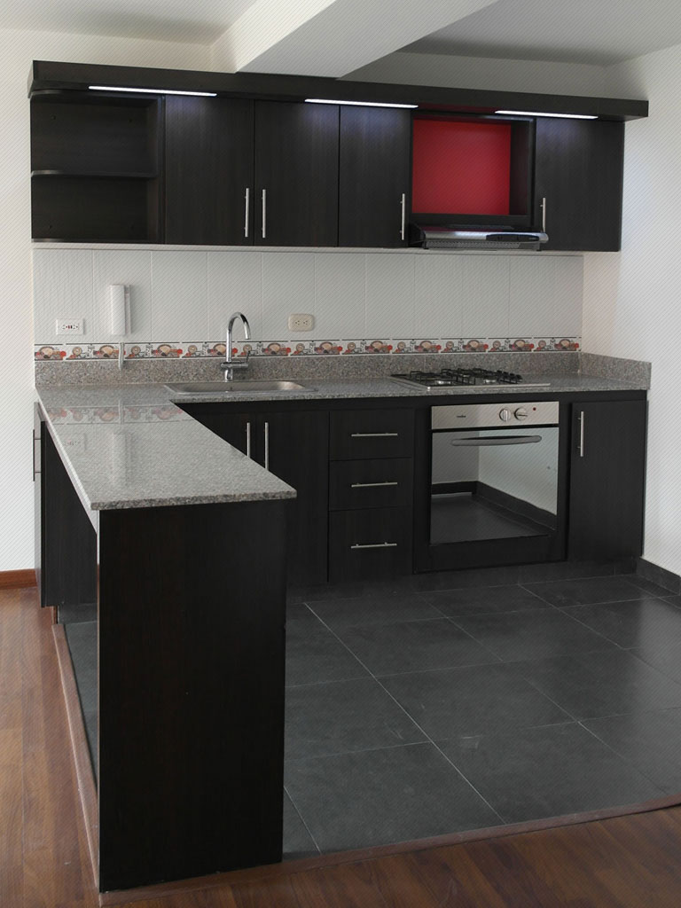 Decoracion de cocinas en tonos obscuros 4 curso de for Decoracion de interiores cocinas
