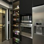 decoracion de cocinas pequenas con detalles en acero inoxidables (3)