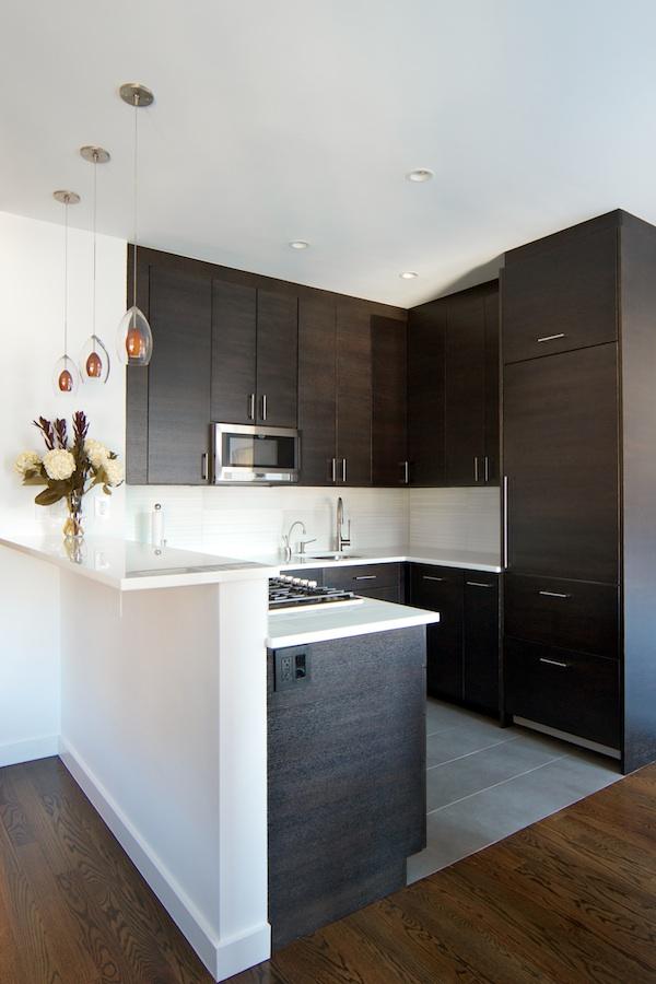 decoracion de cocinas peque as con detalles en acero