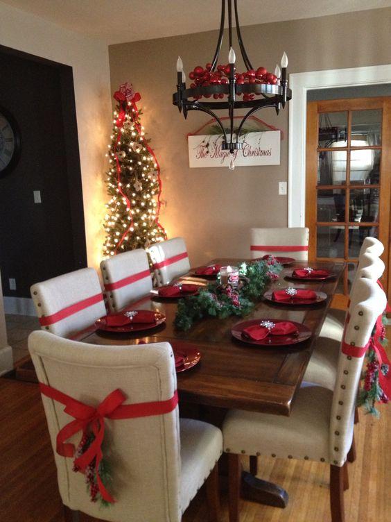 Decoración de mesas elegantes para cena navideña