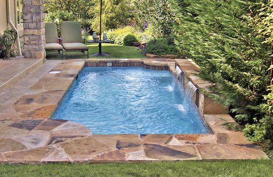 Disenos de piscinas pequenas pero con mucho estilo 15 for Diseno de piscinas pequenas