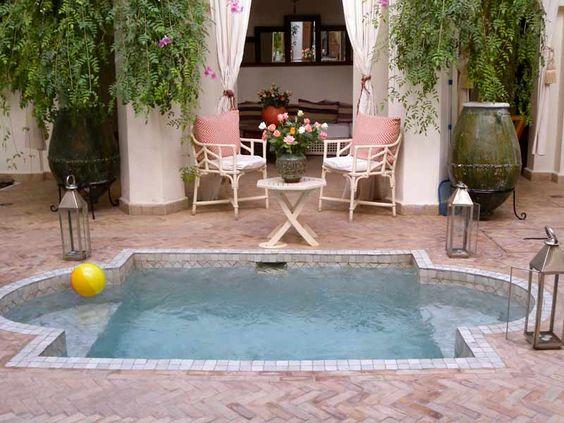 Disenos de piscinas pequenas pero con mucho estilo 17 for Disenos de albercas pequenas