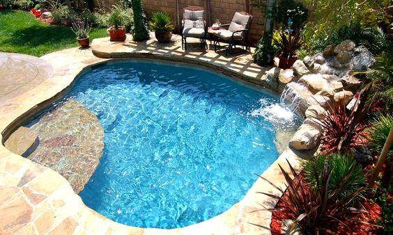 Disenos de piscinas pequenas pero con mucho estilo 9 for Disenos de albercas para casas pequenas