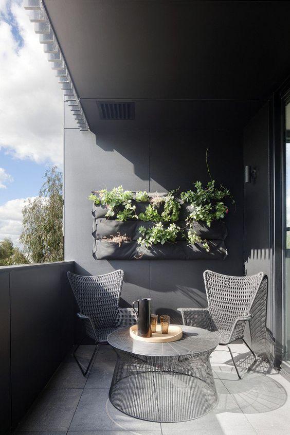 Jardines verticales tendencia vegetal en decoraci n de for Jardines verticales en balcones