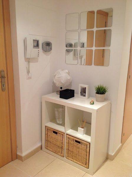 Mas de 30 ideas para recibidores pequenos y acogedores 25 for Mueble ikea cuadrados