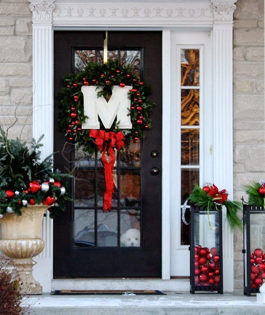 Ideas diy para decorar la puerta en navidad ideas paso a for Ideas para decorar puertas