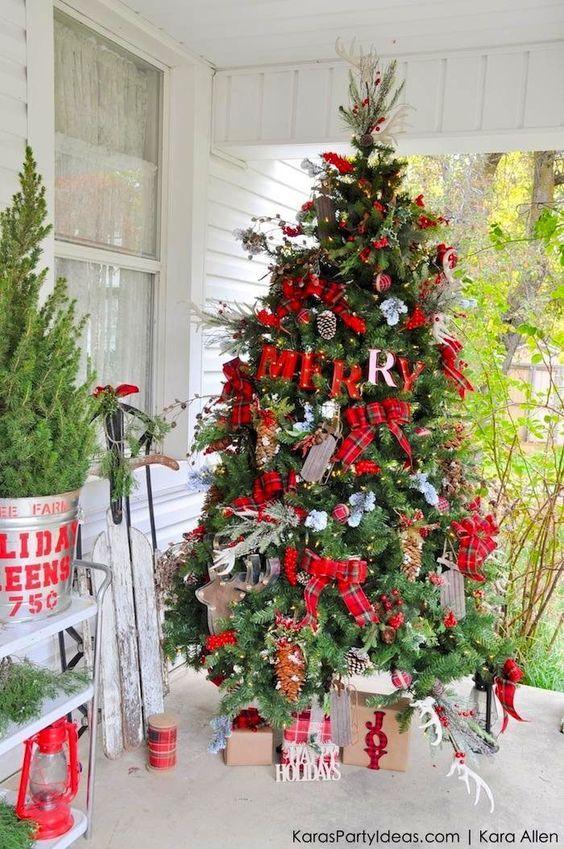 Arboles de navidad con cuadros escoceses
