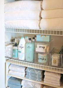 Como organizar un baño grande