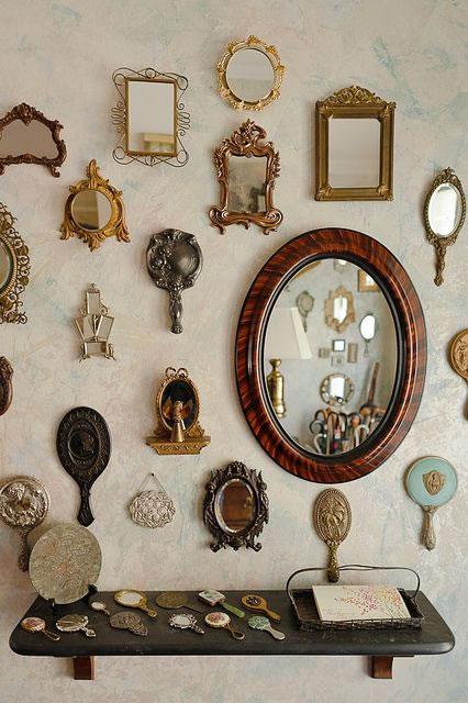 Espejos antiguos mini en la pared