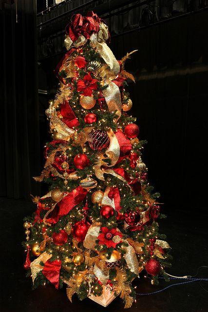 Ideas para el pino navideño en dorado y rojo