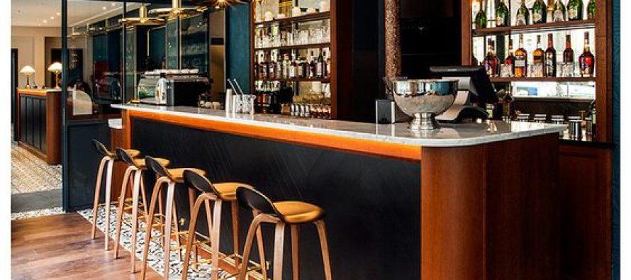 Como decorar un bar cheap little italy with como decorar un bar simple cmo decorar o iluminar - Decorar un bar de tapas ...