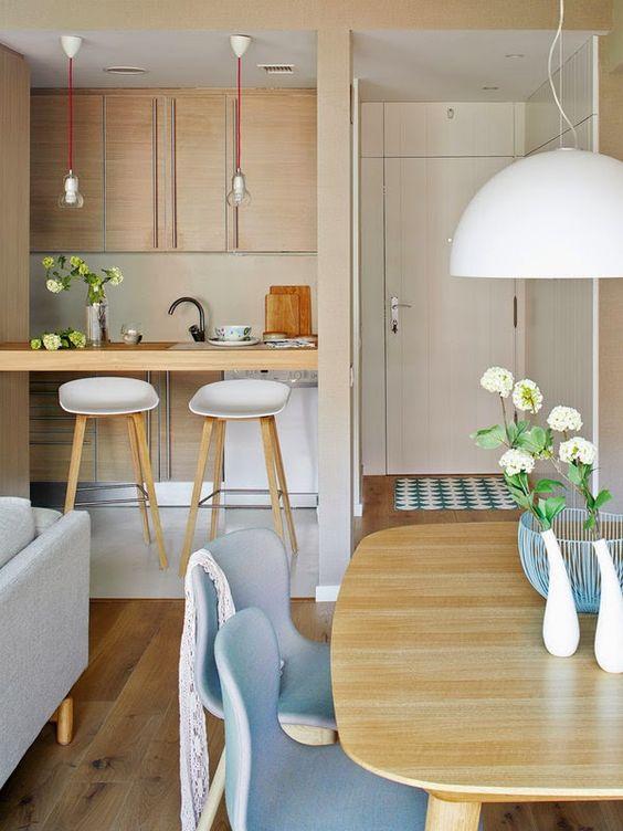 Ideas para incluir sala cocina y comedor juntos for Cuartos decorados con yeso