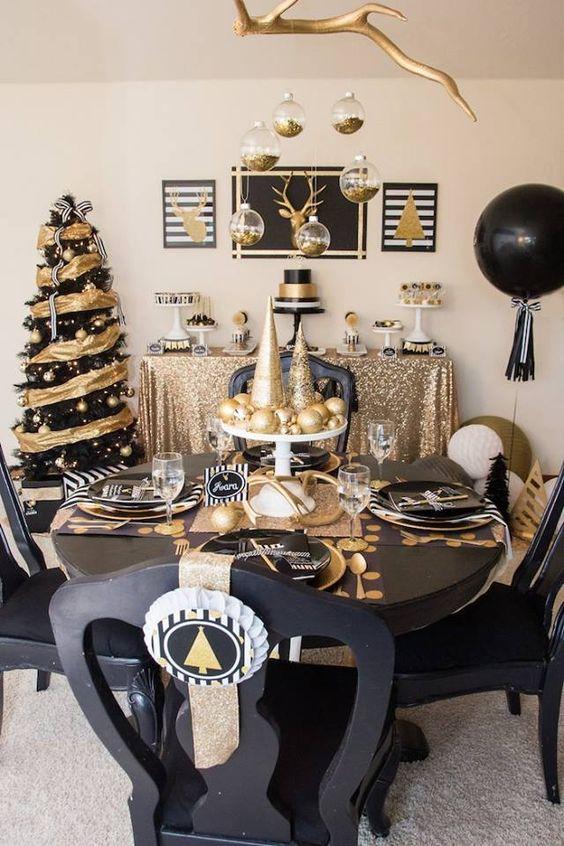 Decoración navideña para el comedor negro y dorado