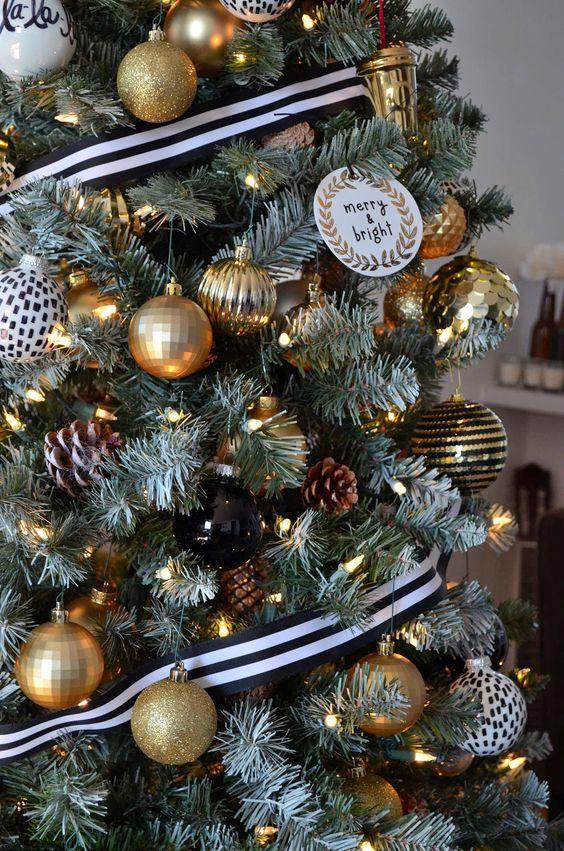 Accesorios navideños negro y dorado