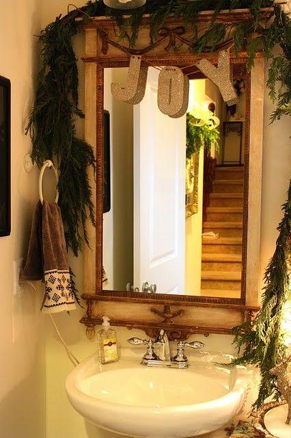 Como decorar el ba o en navidad elegantes en morado y for Decorar el bano