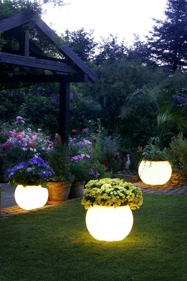 Ideas para Iluminar el Jardin (7)