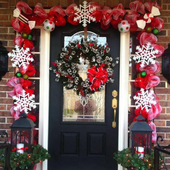 Ideas para decorar la entrada de tu casa esta navidad 2017 for Decorar casa 2017