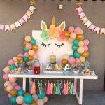 decoracion de cumpleaños con guirnalda de papel
