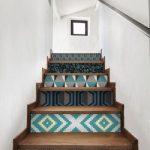 decoracion de escaleras con tapiz