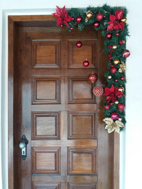 adornos navideños para la entrada de la casa