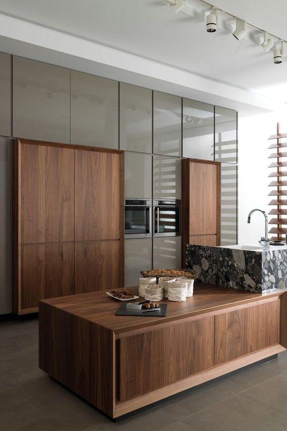 Cocinas de madera modernas con isla central