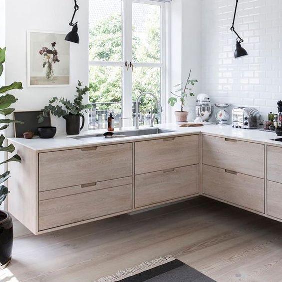 Cocinas de madera modernas en L