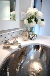 accesorios decorativos para un medio baño