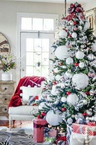 arbol de navidad en rojo