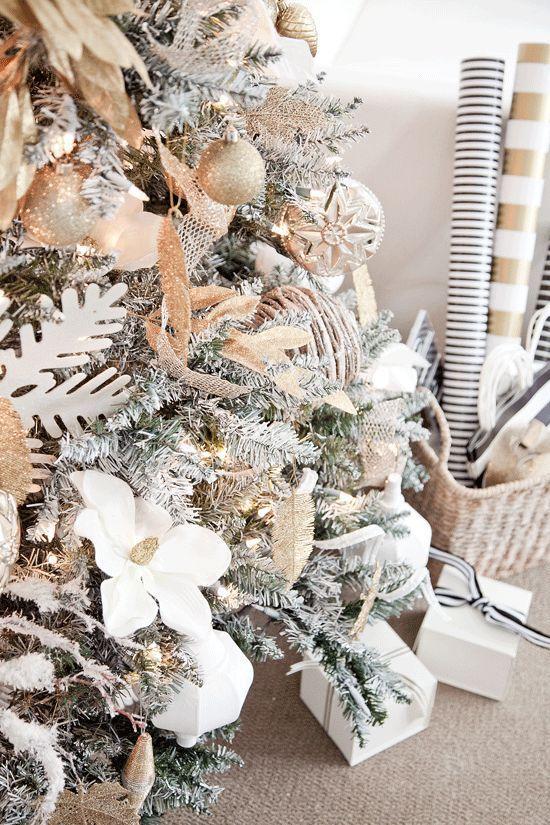 arboles de navidad en color dorado