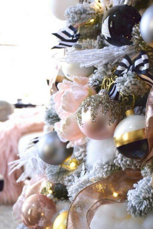 arbol de navidad rosa y dorado