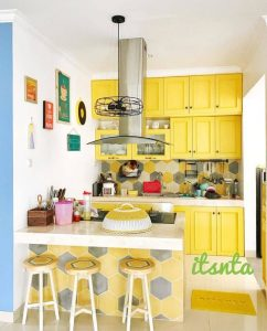 cocina pequeña en color amarillo que te inspirara